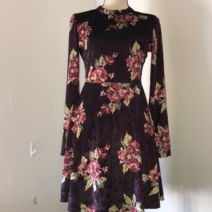 Altair'd state velvet look dress size small
